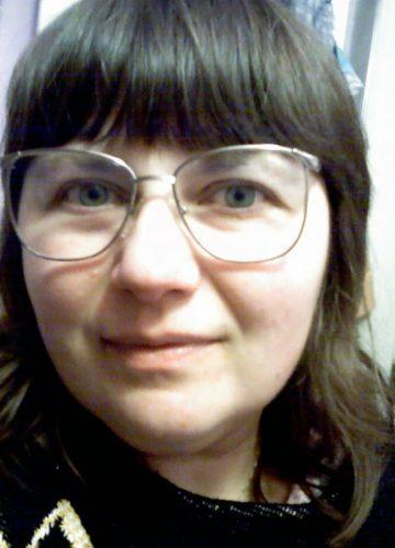 Yelena in glasses